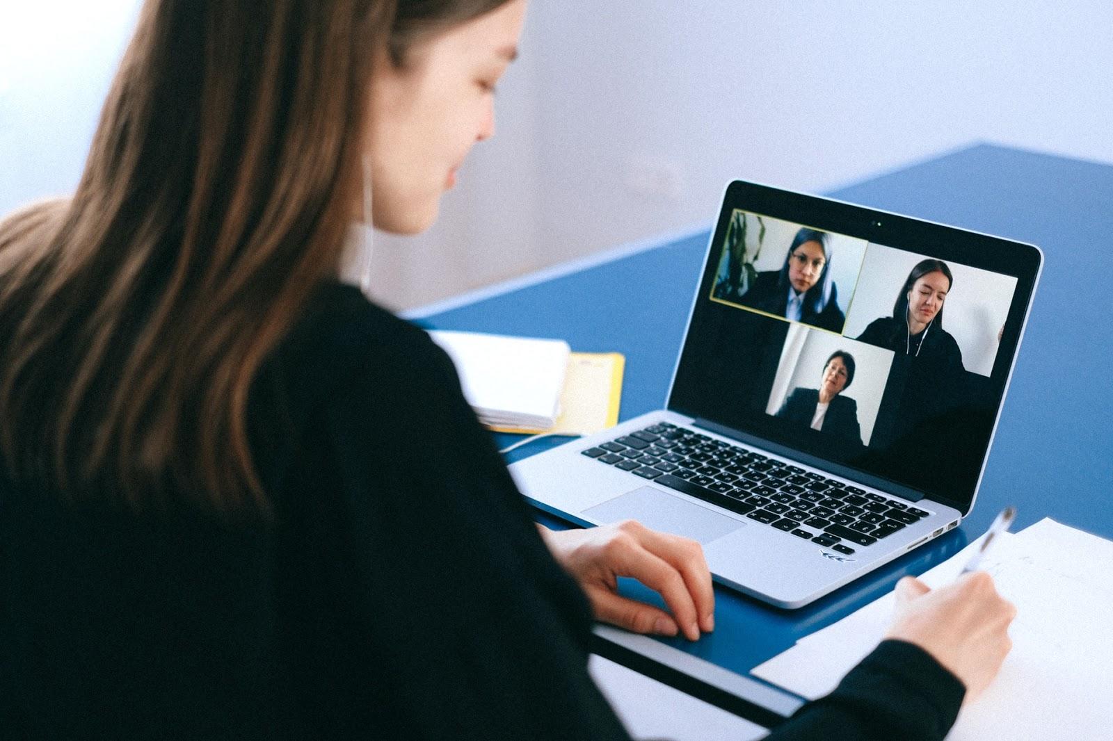 4 Reasons Why Virtual Career Fairs Are Better Than Regular Career Fairs