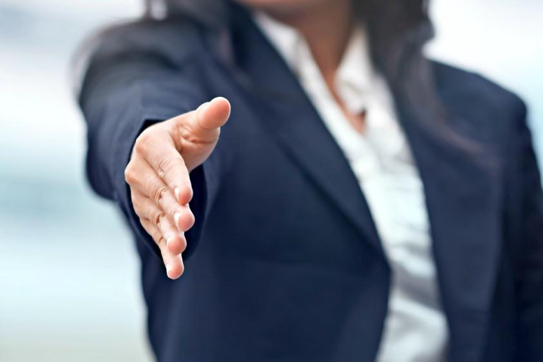 How To Make a Good First Impression While Networking